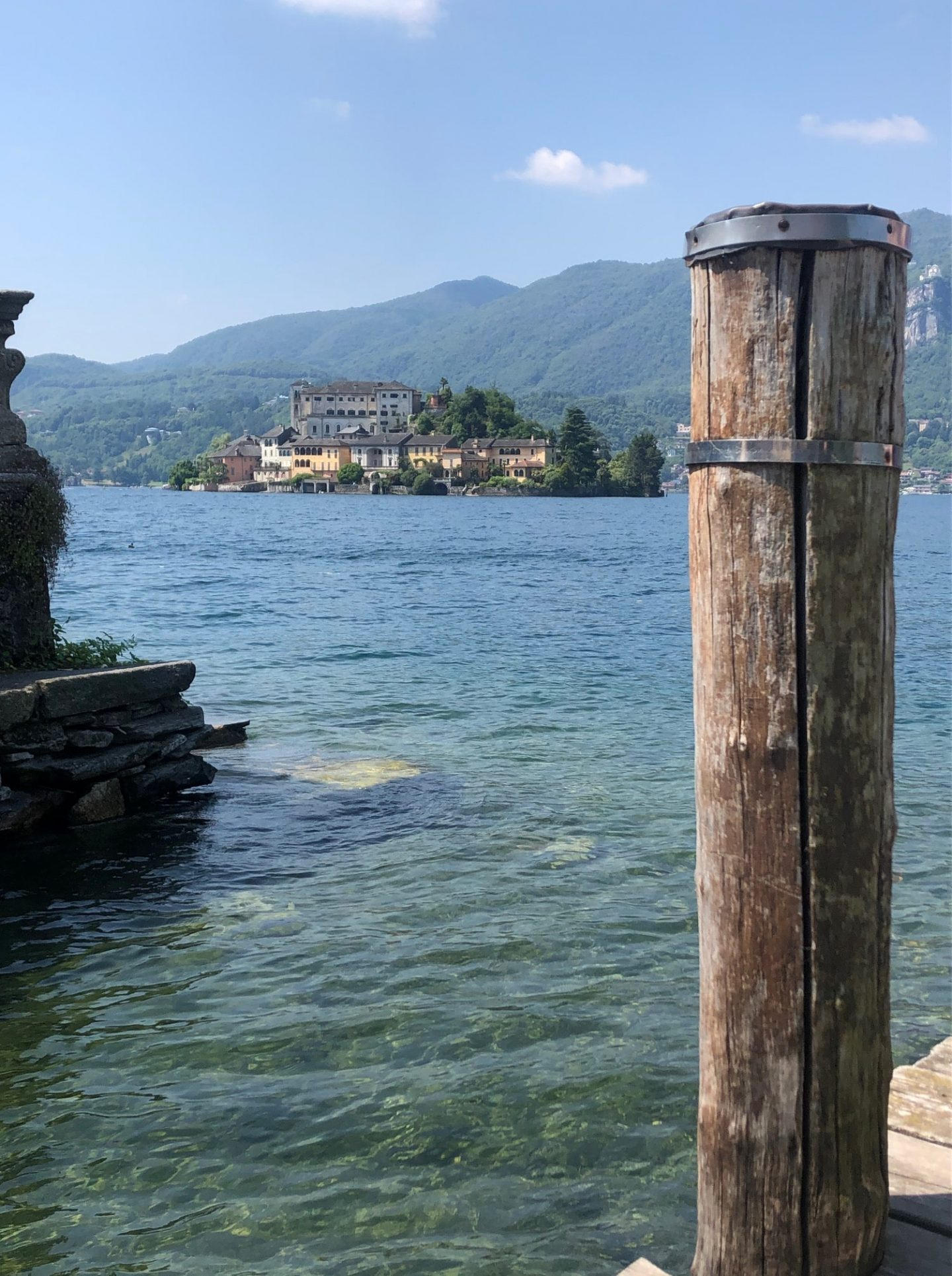 L'Isola di San Giulio vista dalle rive di Orta San Giulio