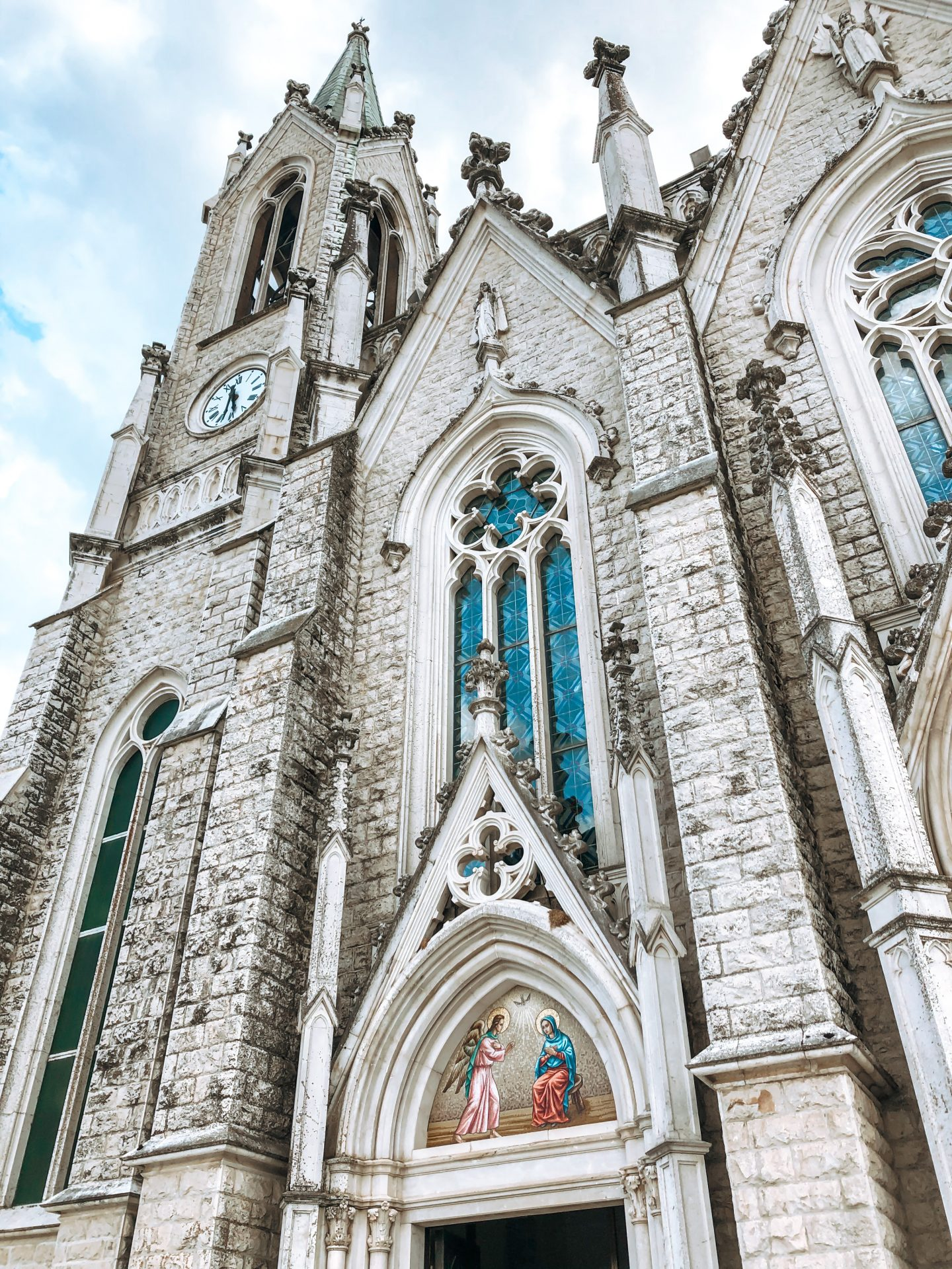 Vista delle guglie della basilica di castelpetroso