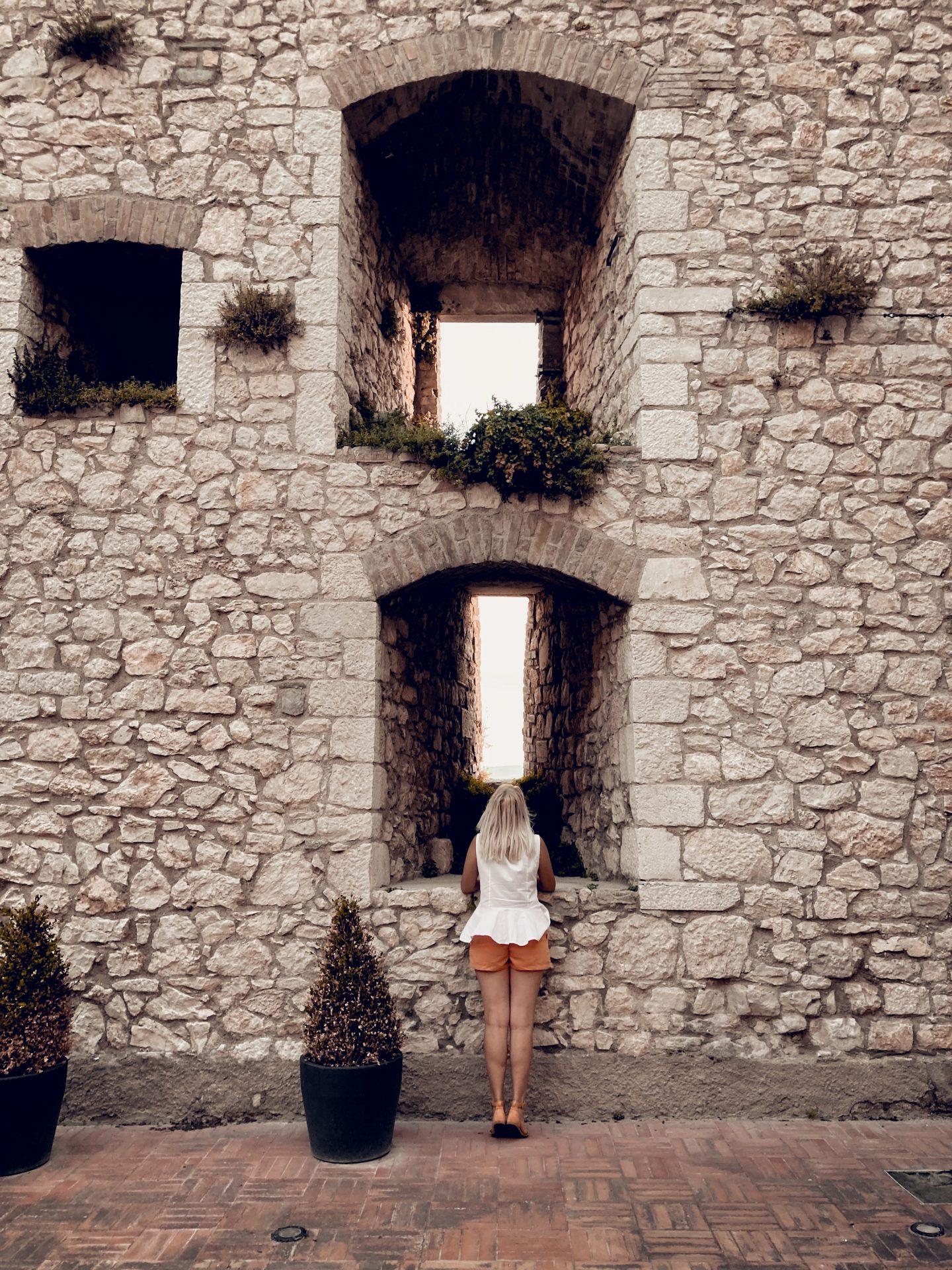 Le feritoie del Castello Monforte